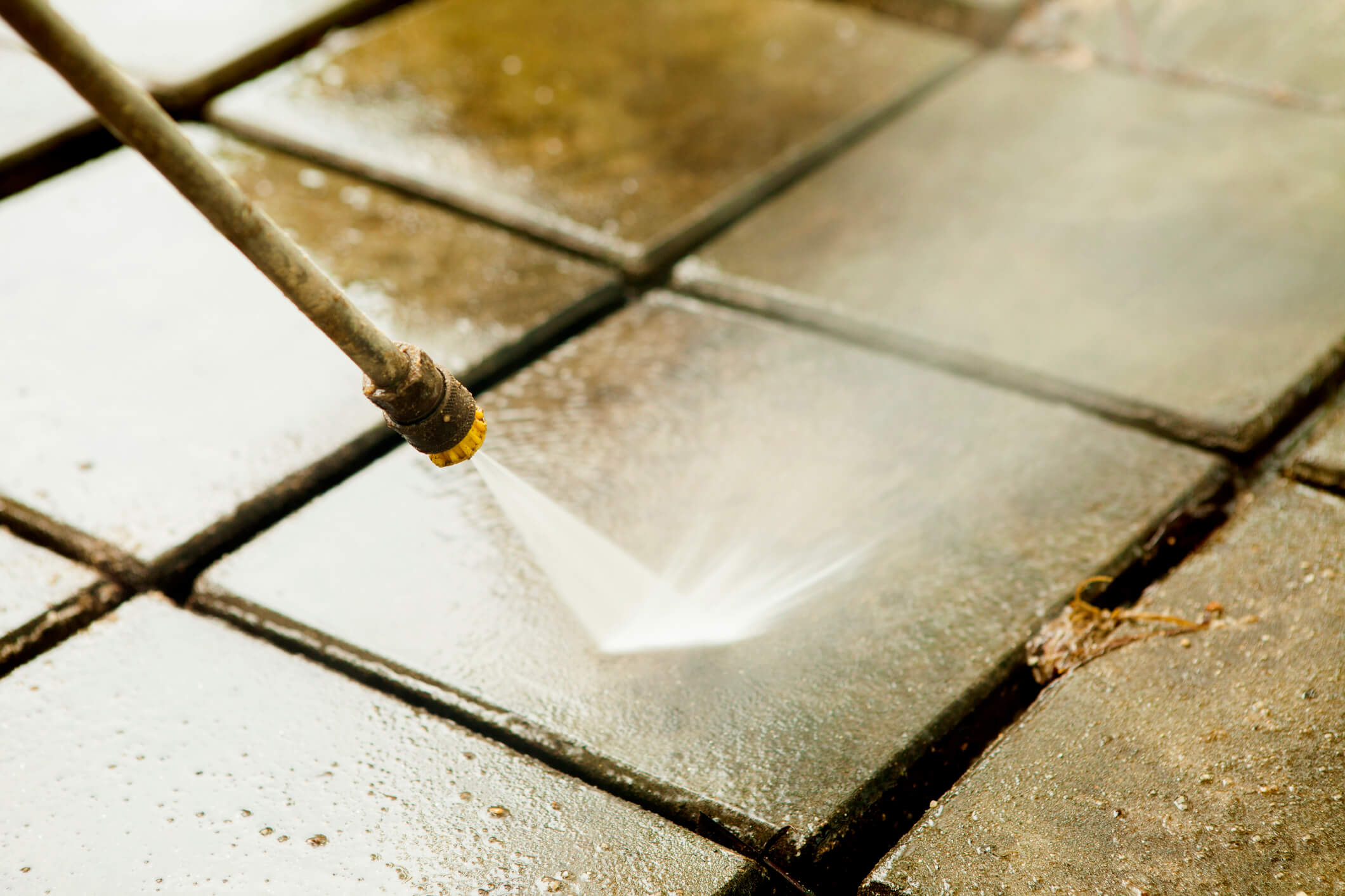 Cleaning Concrete Surfaces with Biodegradable, Eco-Friendly Solutions